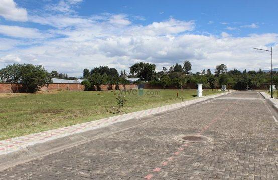 Terrenos en Venta Tumbaco Urbanización Privada 700, 800, 900m2