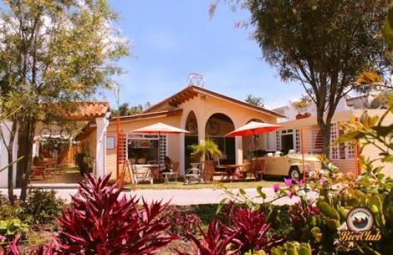 Arriendo Casa Restaurante en Tumbaco ideal para inciar su negocio ya