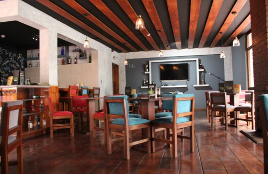 Casa de venta Quito sector norte adecuada para negocio Bar Restaurante