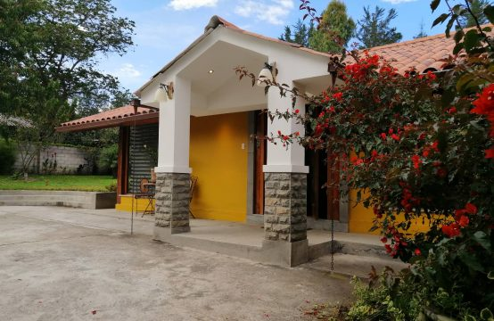 Vendo Cambio Quinta en Checa , cambio con casa en Cumbaya