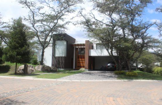 Casa de venta en Tumbaco urbanizacion la Viña