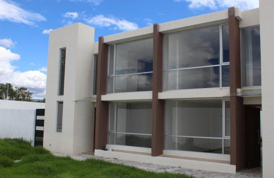 Casa en venta Tumbaco Estilo moderno
