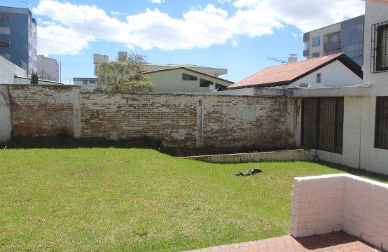 Terreno de venta cerca a la universidad UTE Calle Ulloa