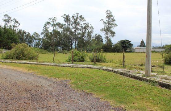 Terreno en Pifo 7120m2 a pocas cuadras de la ruta Viva