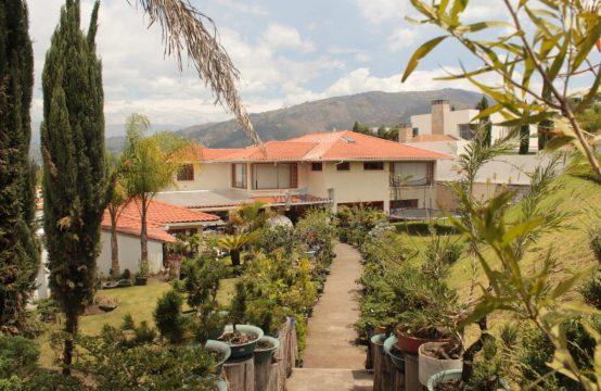 Casa de venta en Cumbaya 5 dormitorios