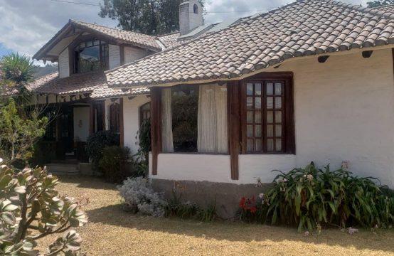 Casa de arriendo en Cumbaya amoblada 5 dormitorios