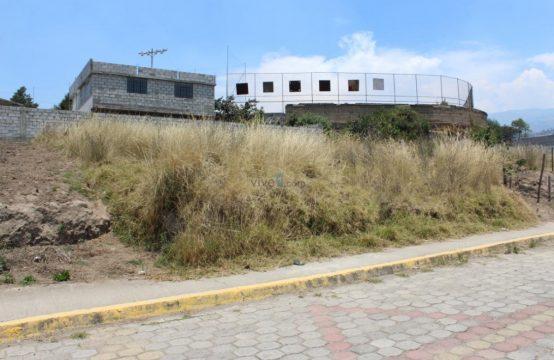Terreno en venta Yaruqui 300m2 Urbanización Privada $33.000