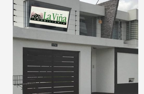 Casa en venta Cumbaya estilo Minimalista Urb. La PrimaveraII