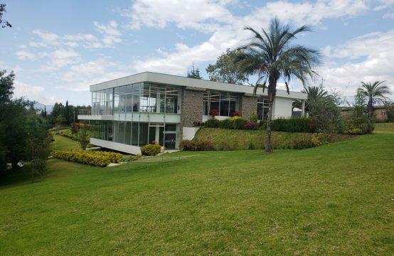 Quinta de venta en Yaruqui Adecuada para Eventos