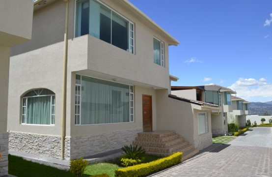 Casa Independiente en Venta en Tumbaco Conjunto de seis Casas