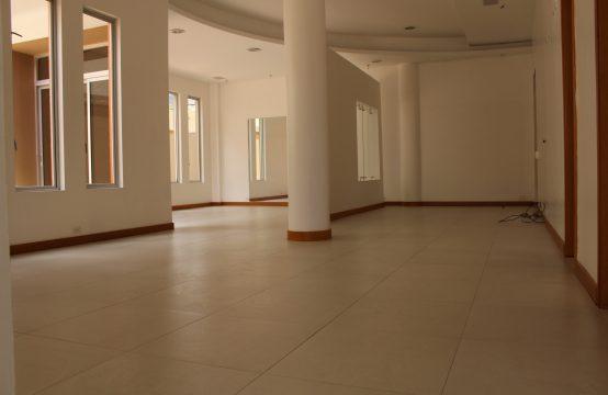 Oficina de arriendo en Cumbaya