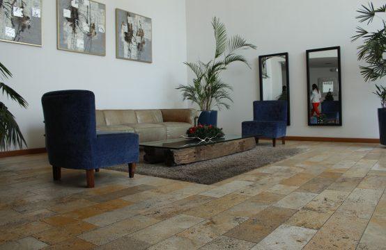 Departamento en Arriendo Cumbaya 2 dormitorios amplio, elegante