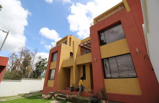Casa de arriendo Tumbaco Churuloma $450 Fijos