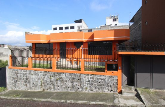 Casa de venta 4 dormitorios Sur de Quito Lomas Puengasi