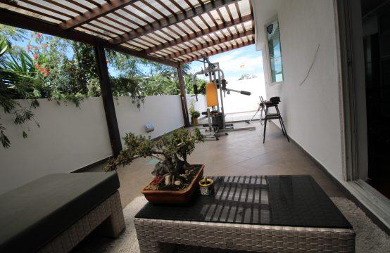 Suite de venta en Cumbaya Urbanización Privada con amplia terraza, cerca a Paseo San Francisco