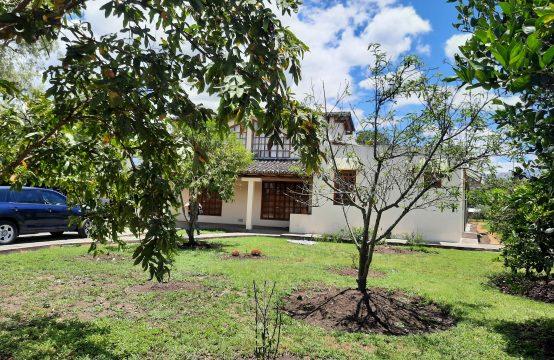 Casa de arriendo en Tumbaco ideal para vivienda o negocio